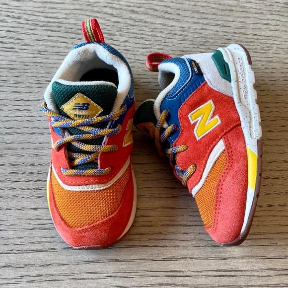 new balance kids orange
